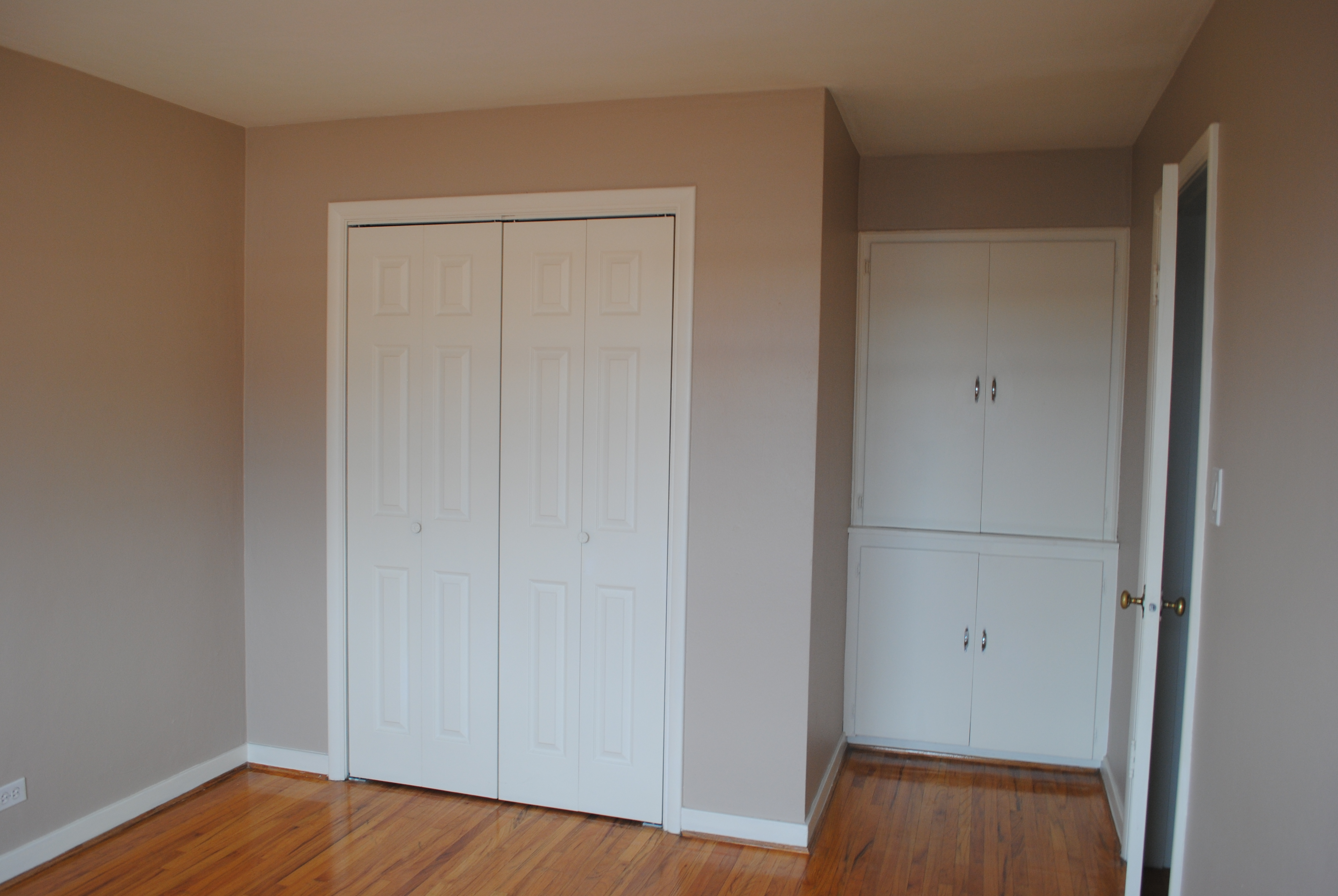 Bedroom l 39 amour chez nous - Built in closet for small bedroom ...